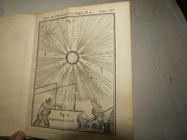 NOLLET Abbé. ESSAI SUR L'ELECTRICITE DES CORPS. 1753, Livres rares (1ère édition, livres illustrés, tirages limités), Livres | Puces Privées
